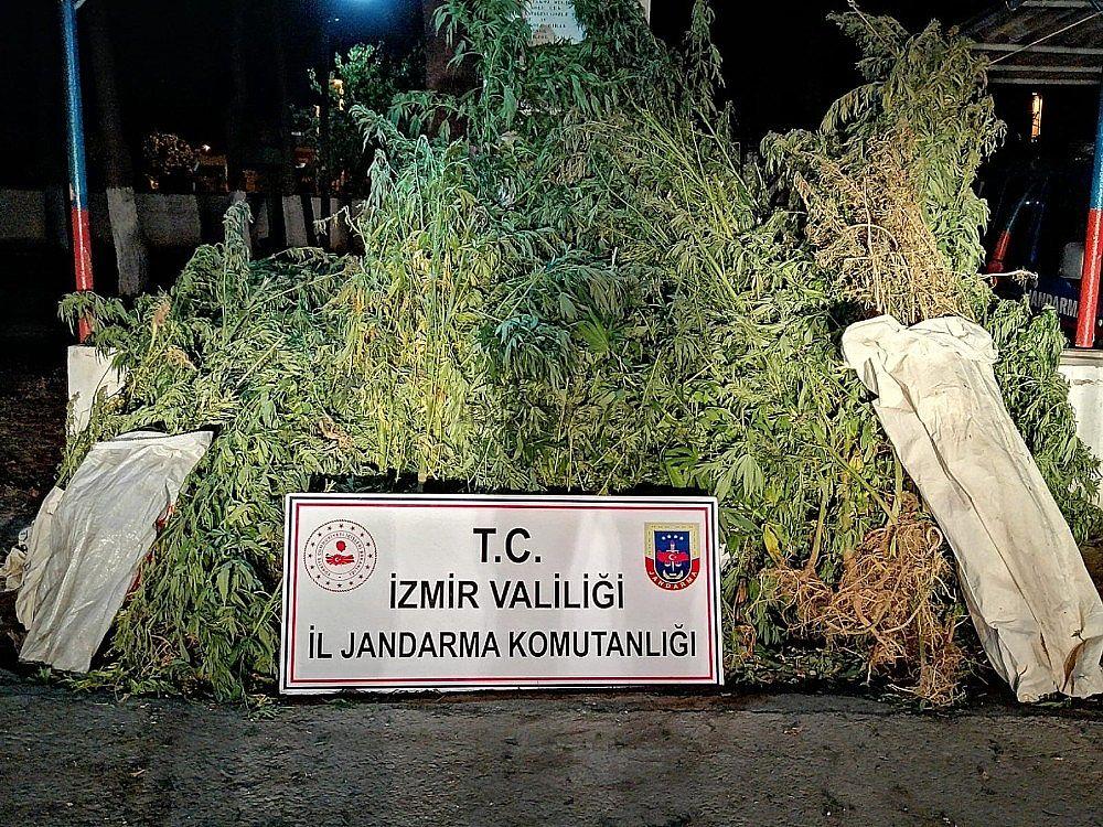2019/09/izmirde-uyusturucu-tuccarlarina-darbe-20190905AW79-1.jpg