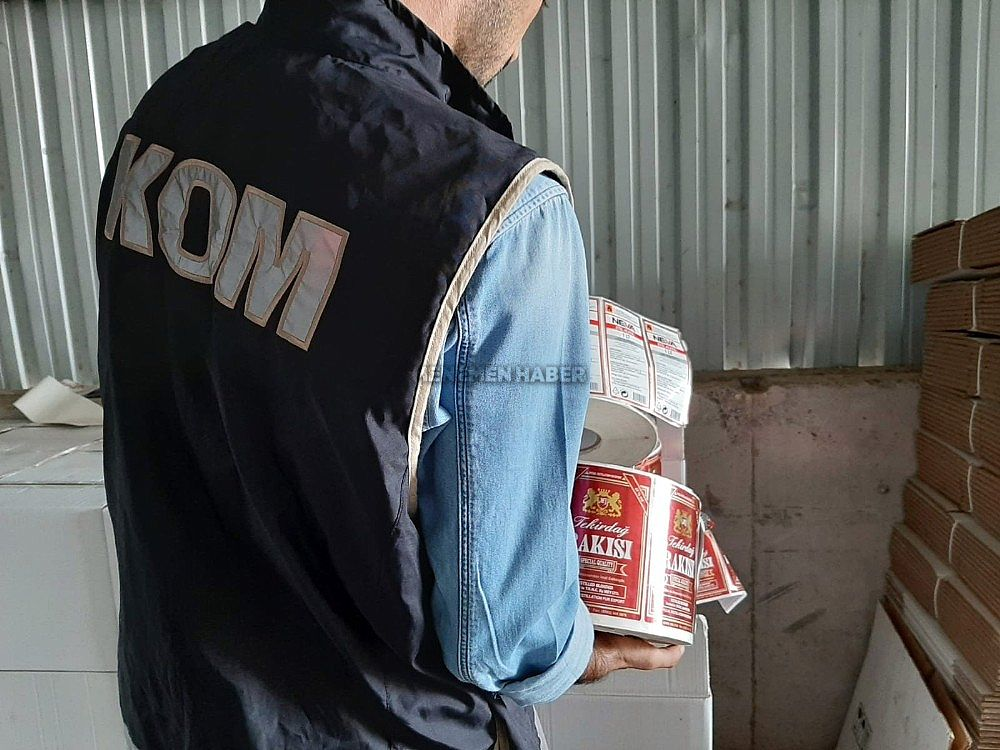 2019/09/menemende-sahte-icki-ve-kacak-alkol-operasyonu-20190918AW80-3.jpg