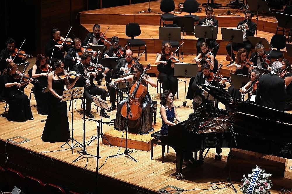2019/10/yasar-universitesi-senfoni-orkestrasindan-cumhuriyet-konseri-20191027AW83-1.jpg