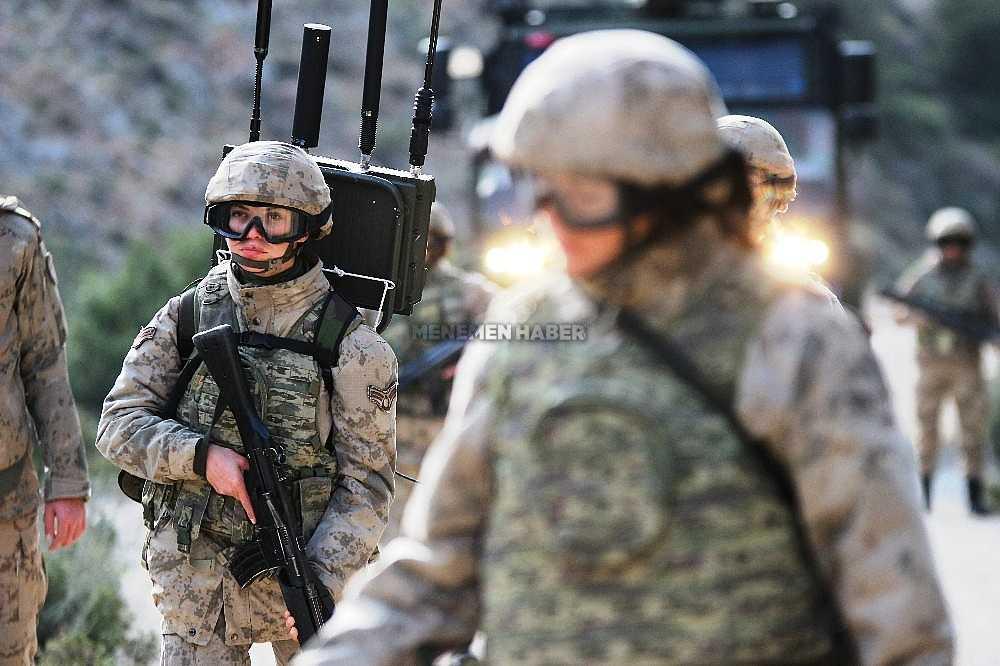2020/01/foca-jandarma-komando-okulundan-egitim-alan-turkiyenin-ilk-kadin-jandarma-komando-astsubaylari-20200128AW92-13.jpg