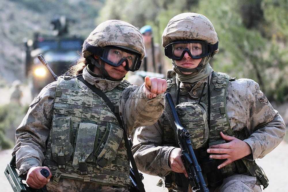 2020/01/foca-jandarma-komando-okulundan-egitim-alan-turkiyenin-ilk-kadin-jandarma-komando-astsubaylari-20200128AW92-14.jpg