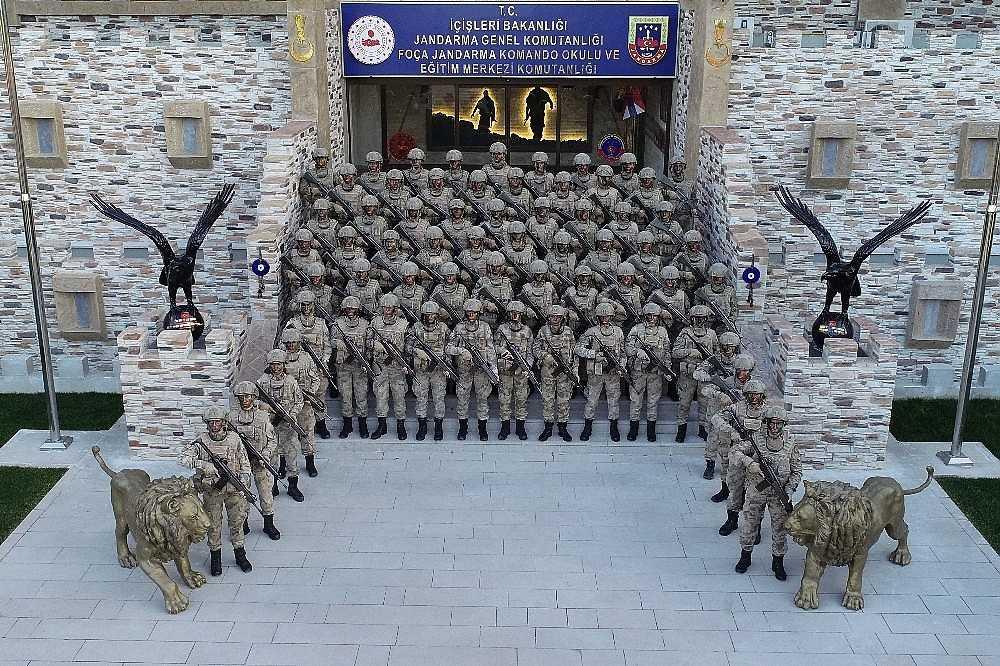 2020/01/foca-jandarma-komando-okulundan-egitim-alan-turkiyenin-ilk-kadin-jandarma-komando-astsubaylari-20200128AW92-2.jpg