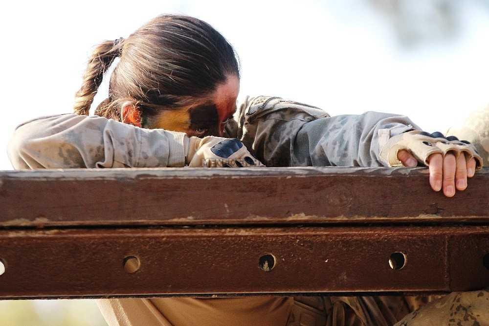 2020/01/foca-jandarma-komando-okulundan-egitim-alan-turkiyenin-ilk-kadin-jandarma-komando-astsubaylari-20200128AW92-20.jpg