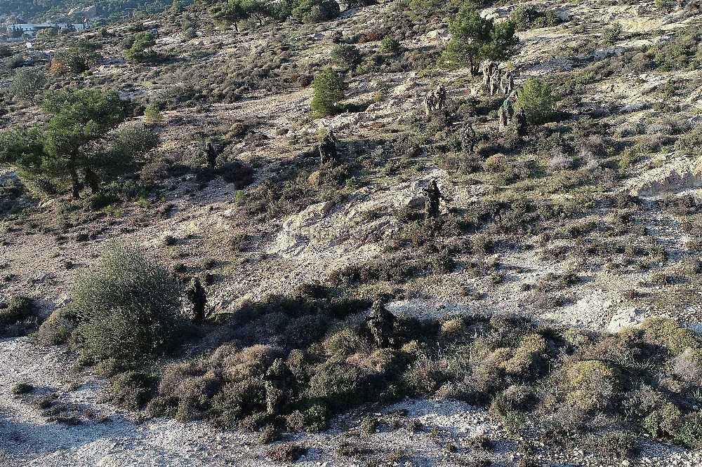 2020/01/foca-jandarma-komando-okulundan-egitim-alan-turkiyenin-ilk-kadin-jandarma-komando-astsubaylari-20200128AW92-5.jpg
