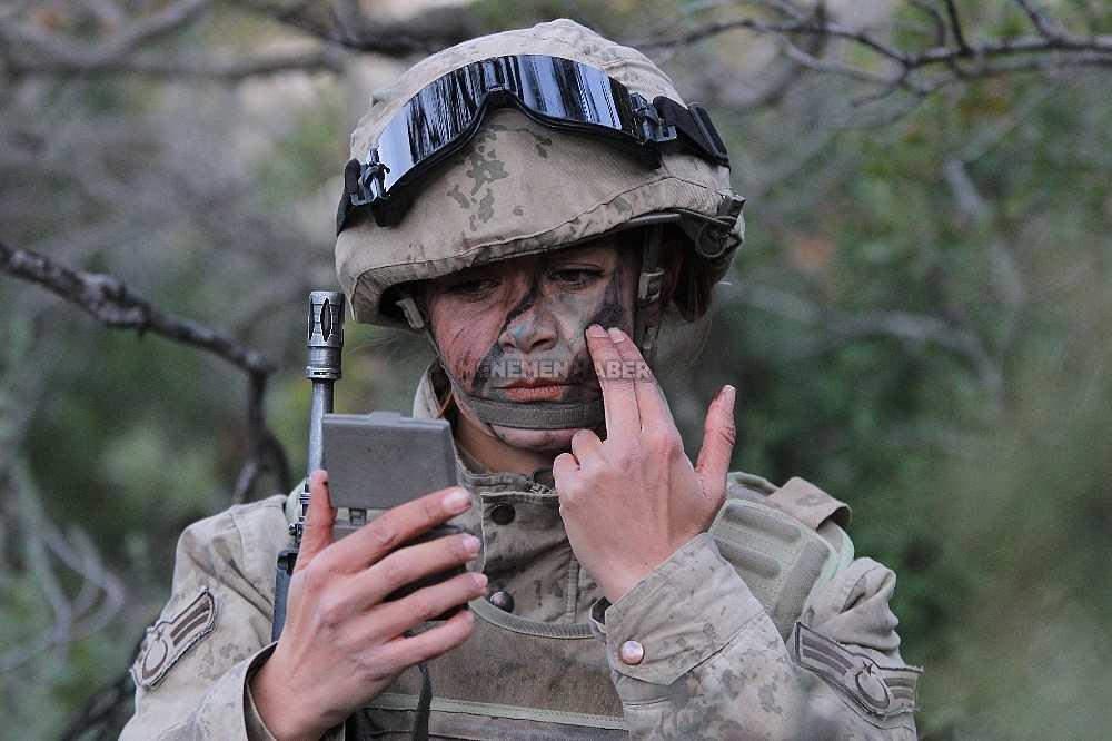 2020/01/foca-jandarma-komando-okulundan-egitim-alan-turkiyenin-ilk-kadin-jandarma-komando-astsubaylari-20200128AW92-6.jpg