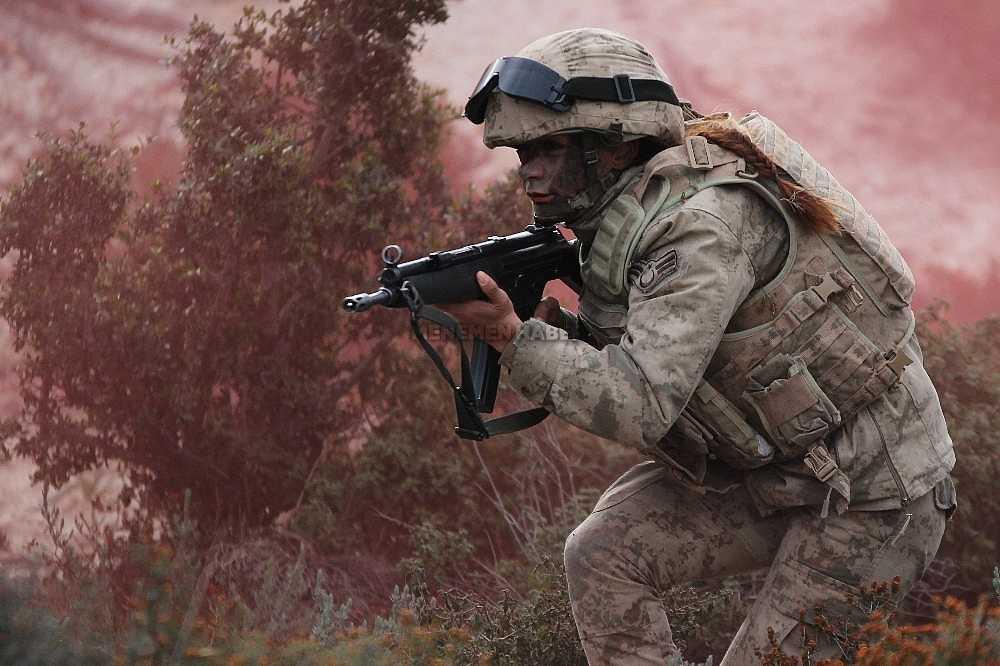 2020/01/foca-jandarma-komando-okulundan-egitim-alan-turkiyenin-ilk-kadin-jandarma-komando-astsubaylari-20200128AW92-8.jpg