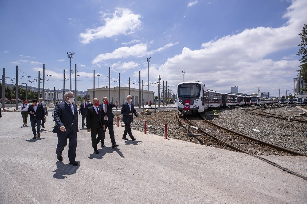 2020/05/izmir-metrosu-20-yasinda-20200522AW02-2.jpg