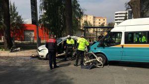 Bornova'da Feci Kaza 1 ölü 11 yaralı