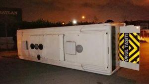 Çiğlide ESHOT otobüsü ile Personel Servisi Çarpıştı: 10 yaralı