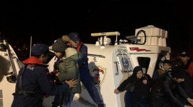 İzmir Çeşme'de 54 kaçak Göçmen Yakalandı