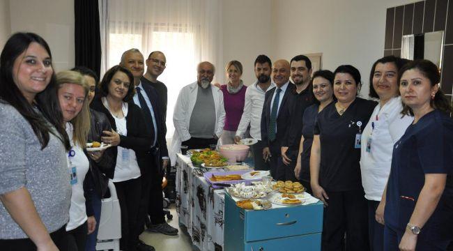 Menemen Devlet Hastanesi'nde 14 Mart Tıp Bayramını Kutladı