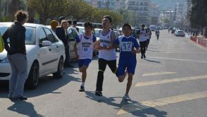Aliağa'da 23 Nisan Etkinliklerinde 120 Öğrenci Koştu