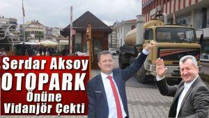 Serdar Aksoy Menemenspor A.Ş ile anlaşmazlık sonucu Otopark girişini kapattı