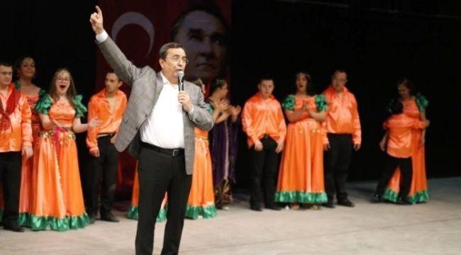 Konak'ta Halk Oyunları Büyük İlgi Topladı