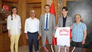 Özel Sporcu Arda 3 Dalda Türkiye Şampiyonu Oldu