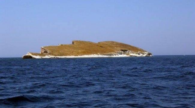 Atatürk'e benzeyen ada turistlerin ilgisini çekiyor
