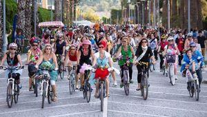 Bisikletli Kadınlar Dikkat Çekmeye Devam Ediyor