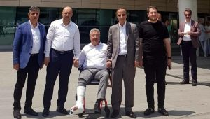 İzmir Milletvekili Necip Nasır'ın Ayağı Kırıldı