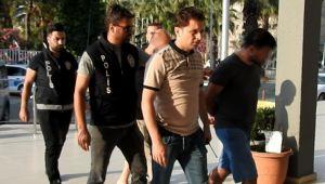 Polisin yaralanmasına neden olarak kaçan 2 kişi yakalandı