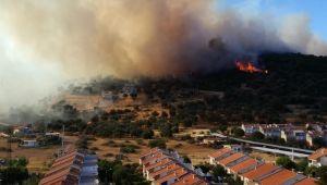 Yangın yazlık evlere doğru ilerliyor
