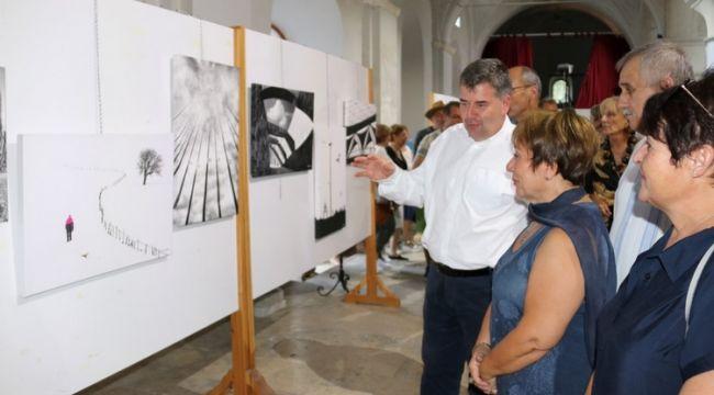 Çeşme Fotoğraf Sergisi Açıldı