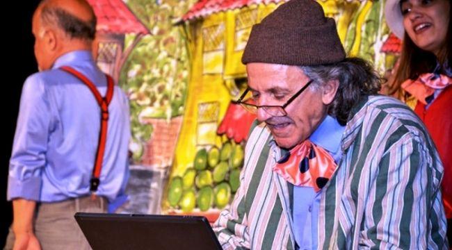 Foça'da Kaşif-i Eyvah Nadir Efendi Tiyatro Gösterisi Sunulacak