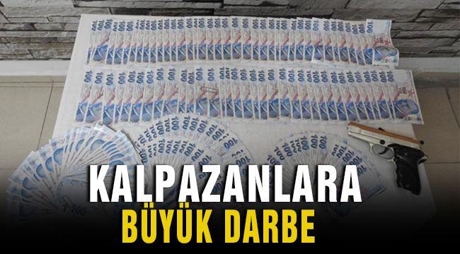 İzmir'de Kalpazanlar yakayı Ele Verdi