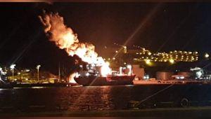 Petkim Limanın'da patlama; Panama Bandıralı gemi Alev Alev Yanıyor