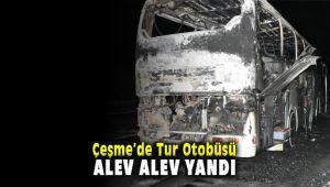 Çeşme'de Tur Otobüsü Gece Saatlerinde Alev Alev Yandı