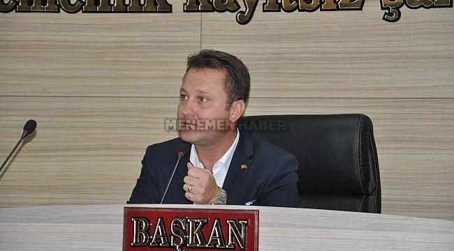 Menemen Belediye Başkanı Serdar Aksoy, belediye şirketine müdür olarak maaş aldığı iddia edildi