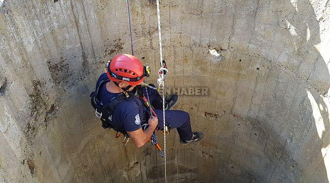 Tire'de 30 metrelik kuyuda 3 gün mahsur kalan tilki kurtarıldı