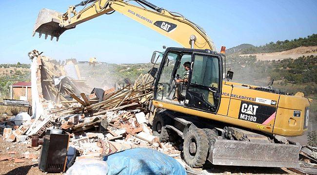 Villa ve çiftlik evi yaparak 50 dönümlük ormanı katlettiler