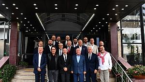 Başkan Tunç Soyer Kulüp Başkanları ile Buluştu