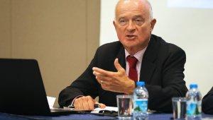 İngiltere Başbakanı Johnson'ın kararına Türk kuzeni Kuneralp de karşı