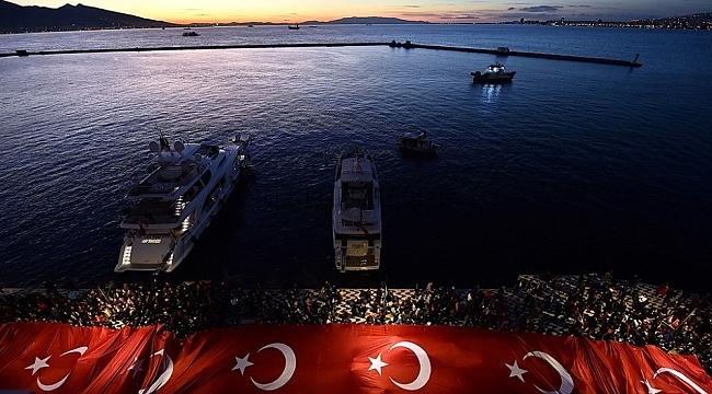 İzmir'de 29 Ekim'de ulaşım 1 kuruş