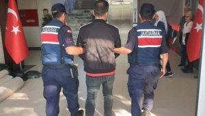 Jandarma İzmir'in 5 İlçe'sin de toplam 299 göçmen yakalandı