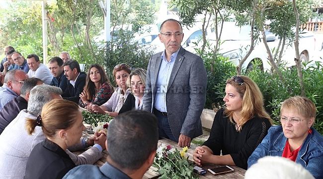 Urla Belediye Başkanı Burak Oğuz muhtarlarla buluştu