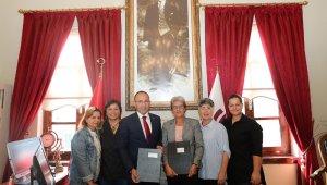 Urla Belediye Başkanı Burak Oğuz'dan kadın kooperatiflerine desteğini sürdürüyor
