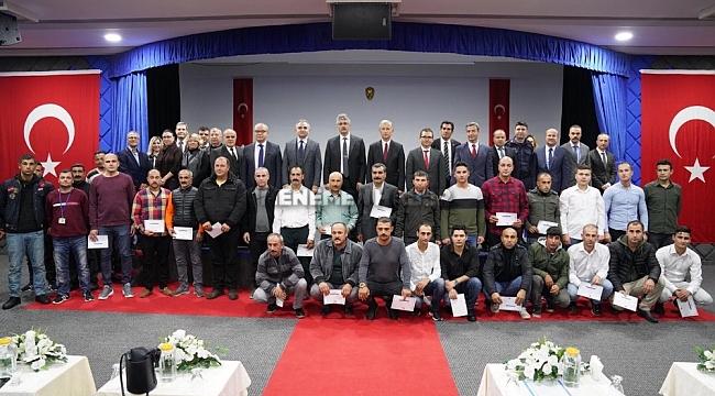 Foça'da 150 hükümlü eğitimleri başarıyla tamamladı, sertifikalarını aldı