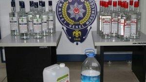 Foça'da yılbaşı öncesi bin 229 şişe kaçak içki ele geçirdi