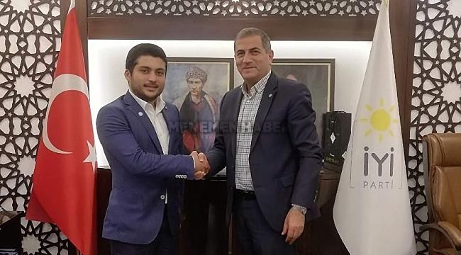 Genç iş adamı Arda Fırat'dan siyasete ilk adım
