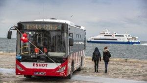 İzmir'e yerli üretim 15 yeni otobüs