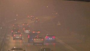 İzmir'de sis ve soba dumanı görüş mesafesini en aza indirdi
