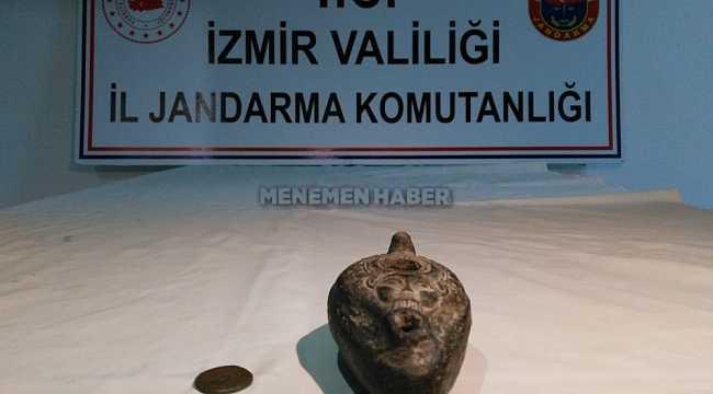 Menemen'de tarihi eserleri satmak isterken suçüstü yakalandılar
