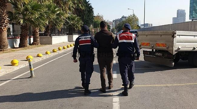 İzmir'de tekne hırsızları yakalandı