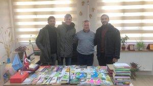 Mühendis adaylarından Gerenköy Ortaokuluna kitap bağışı
