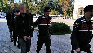 İzmir'de tarihi eser kaçakçısına suçüstü