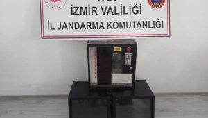 İzmir Foça'da çay ocağına kumar operasyonu