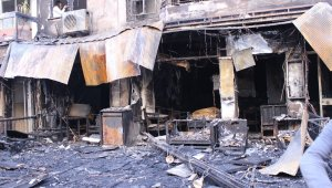 İzmir'de dehşete düşüren yangın: 5 kişi dumandan etkilendi