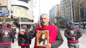 Diyarbakır'dan sonra evlat nöbetini İzmir'de sürdürüyor